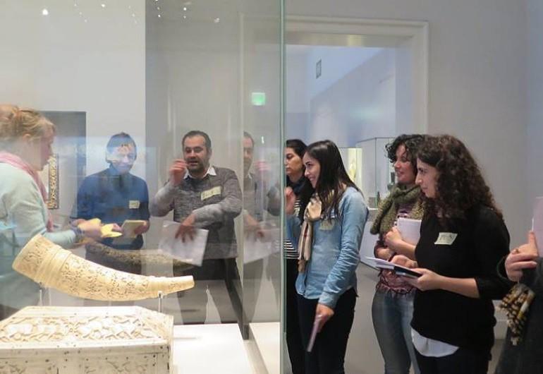 Training in der Sammlung des Museums für Islamische Kunst